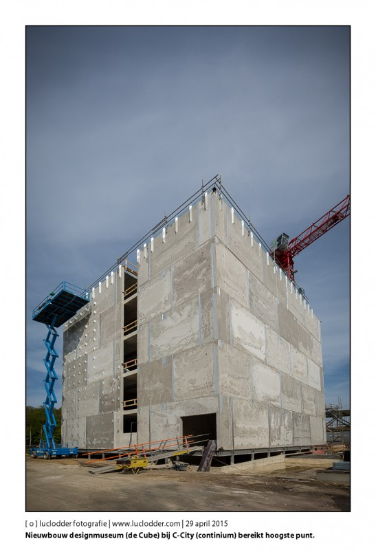 Nieuwbouw designmuseum (de Cube) bij C-City (continium) bereikt hoogste punt.
