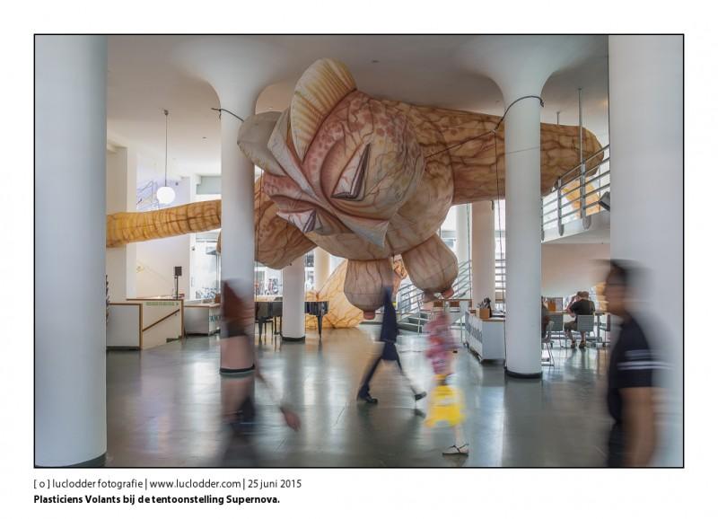 Plasticiens Volants - Tentoonstelling Supernova opent morgen haar deuren. Laat memorabele momenten zien rond het 25-jarig bestaan van straattheater festival 'Cultura Nova'